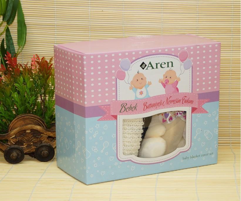 Вязаный Плед с Мягкой Игрушкой в Подарочной Упаковке 100x120 см. Bebek Battaniye Aren