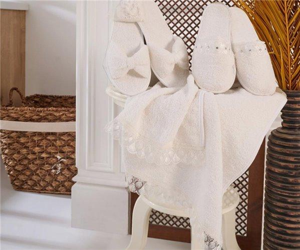 Семейный Махровый Набор Халат с Французским Кружевом и Вышивкой + Полотенца + Тапочки (6 предметов)